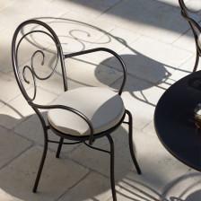 Sedia in ferro battuto da giardino