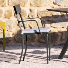 Sedia in ferro da giardino con braccioli e cuscino - Mogan   Vermobil