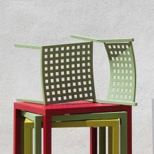 Sedie in metallo colorato da esterno