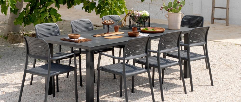 Tavolo da giardino allungabile in plastica levante - Tavoli e sedie da esterno ...